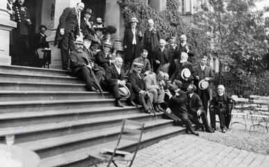 13th IOC Session, Luxembourg, 1910 - IOC Members and Baron Pierre de COUBERTIN, IOC President.