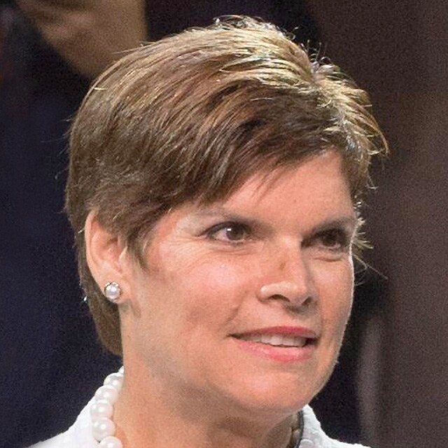 Mrs Nicole HOEVERTSZ