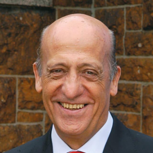 Dr Julio César MAGLIONE