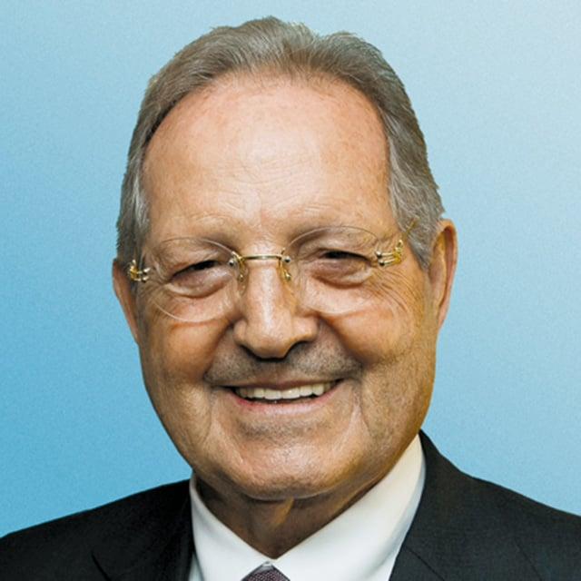 Mr Olegario VÁZQUEZ RAÑA