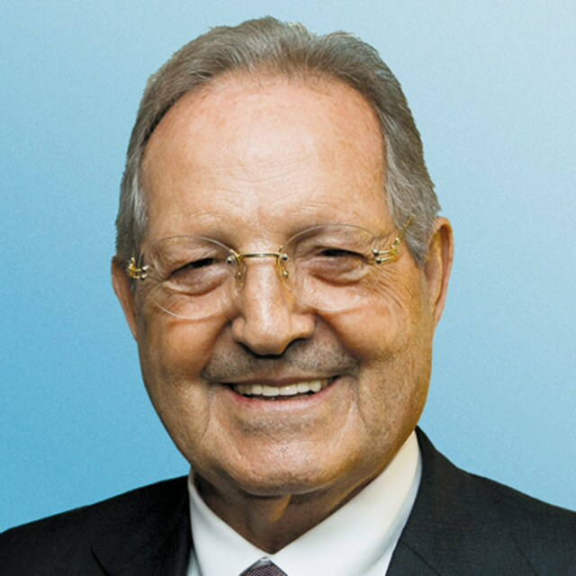 Monsieur Olegario VÁZQUEZ RAÑA
