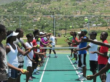 Tennis : IOC SPORT FOR HOPE PROGRAMME. PORT-AU-PRINCE (HAITI).